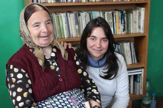 Minka Valentinovna Bukova, nasza rozmówczyni z wioski Viievo, z tłumaczką Pietią Dimitrovą.